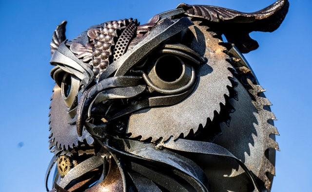 碎片制成的壮观雕塑---2_图1-9