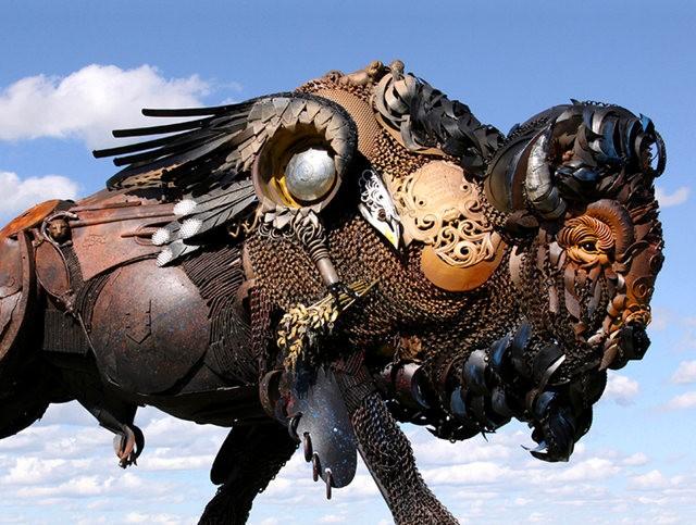 碎片制成的壮观雕塑---2_图1-11