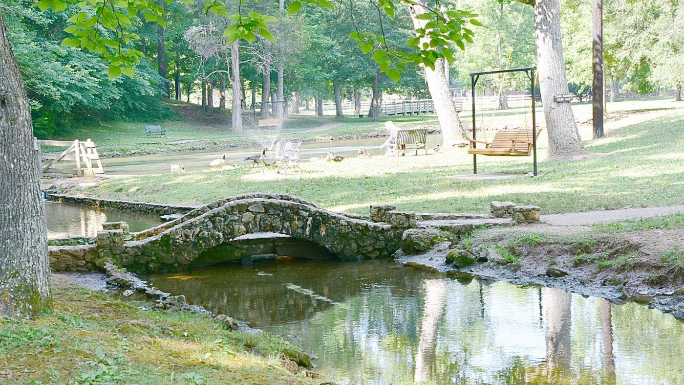 Rolater Park in Cave Spring Georgia-1_图1-3