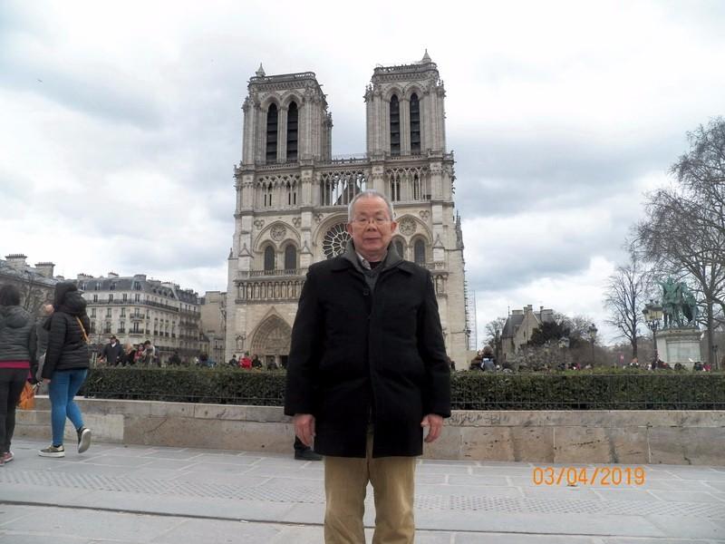 瞻仰巴黎圣母院_图1-1