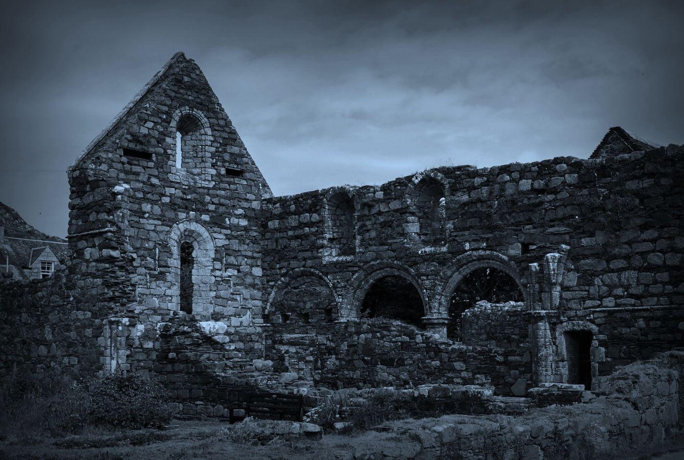 苏格兰圣奥兰教堂(St Oran's Chapel),千年古迹_图1-8