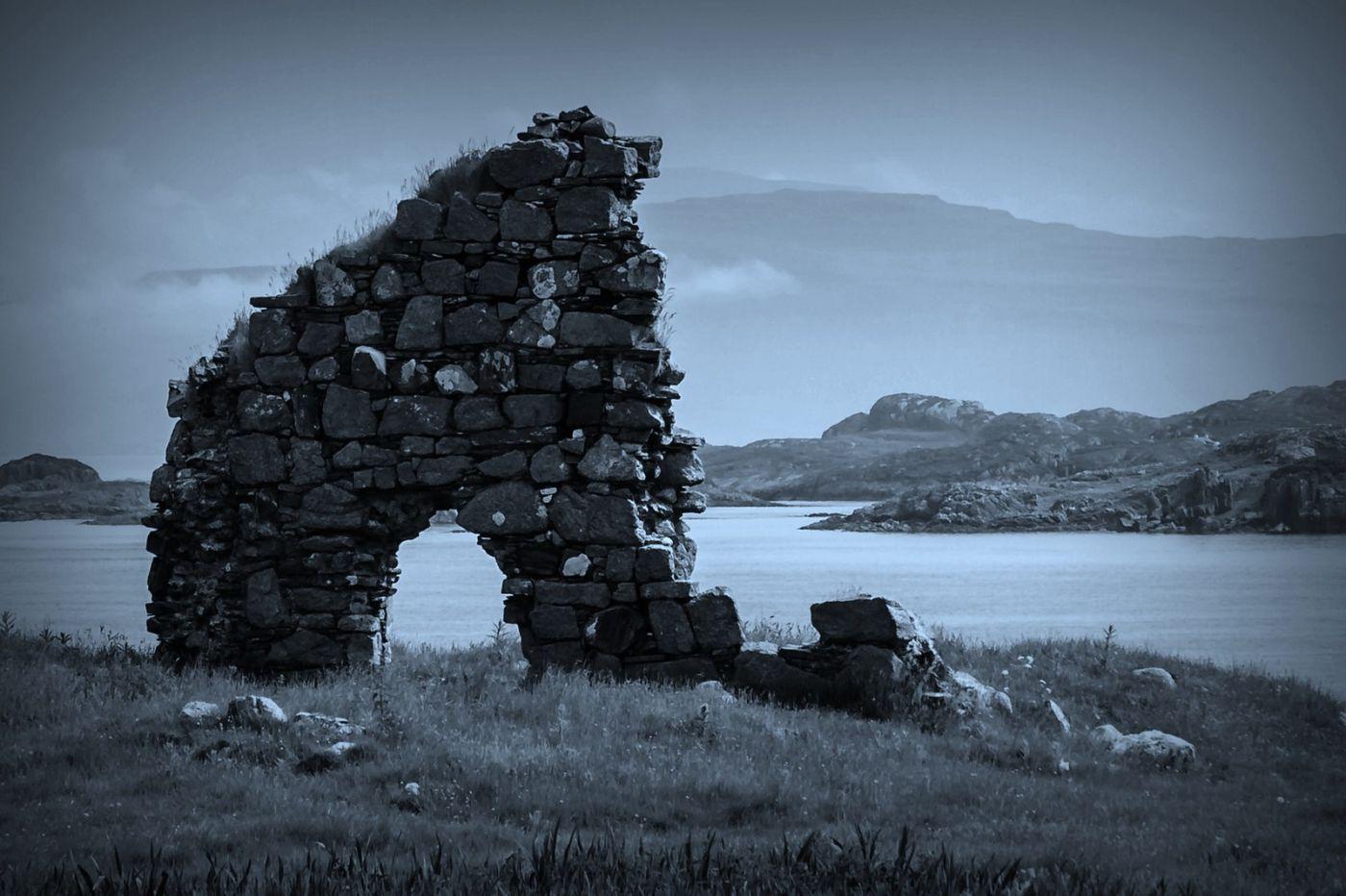 苏格兰圣奥兰教堂(St Oran's Chapel),千年古迹_图1-1