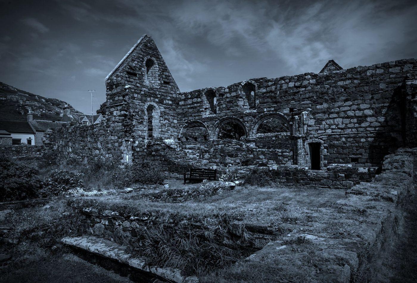 苏格兰圣奥兰教堂(St Oran's Chapel),千年古迹_图1-2