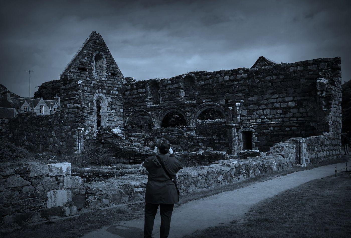 苏格兰圣奥兰教堂(St Oran's Chapel),千年古迹_图1-5