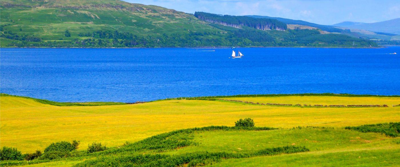 苏格兰美景,月牙般的海湾_图1-2