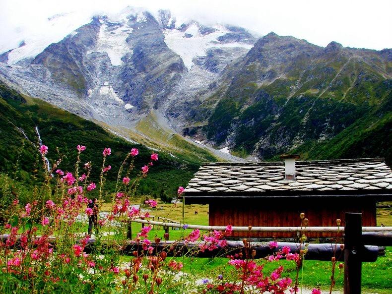 隐藏在令人惊叹的高山全景中----夏蒙尼湖_图1-1