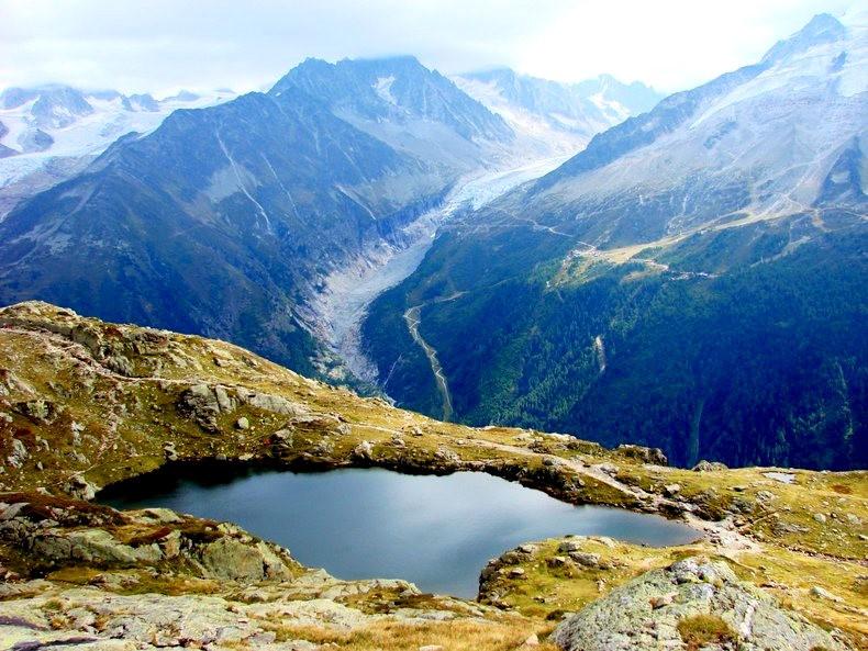 隐藏在令人惊叹的高山全景中----夏蒙尼湖_图1-2