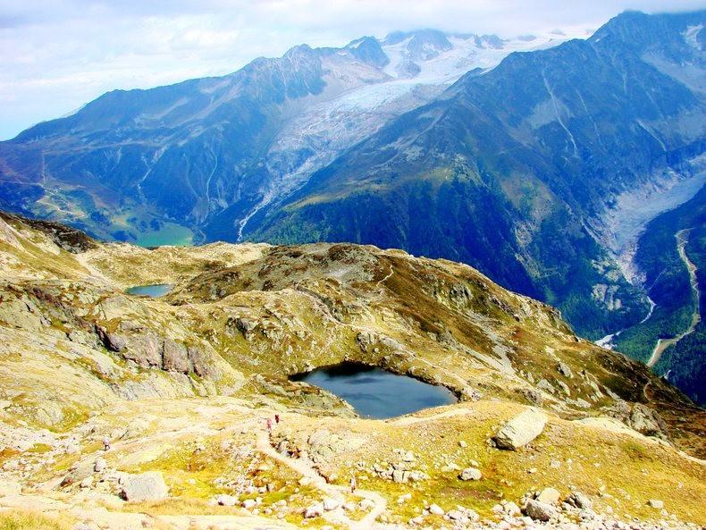 隐藏在令人惊叹的高山全景中----夏蒙尼湖_图1-3