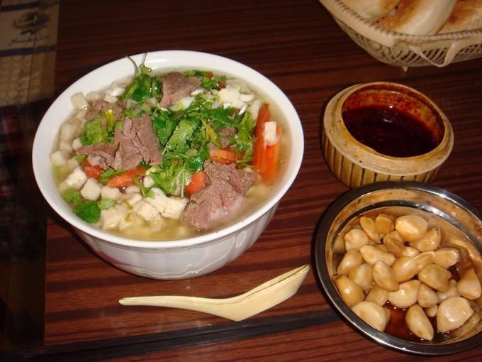 吃羊肉、羊肉汤、羊肉泡馍再加蒜瓣吃出真正的好味道:幸福味 ..._图1-2