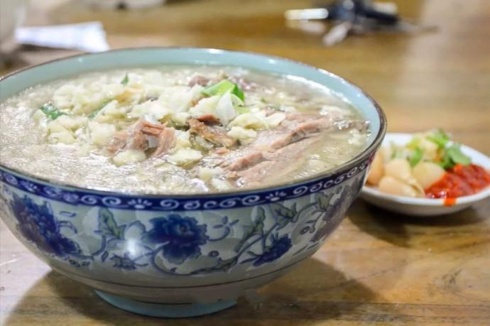 吃羊肉、羊肉汤、羊肉泡馍再加蒜瓣吃出真正的好味道:幸福味 ..._图1-5