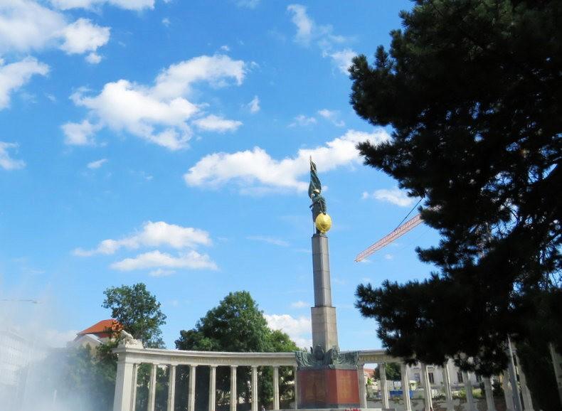 苏联红军纪念碑_图1-6