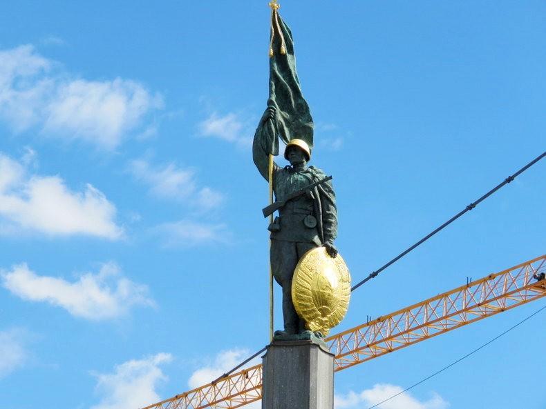 苏联红军纪念碑_图1-7