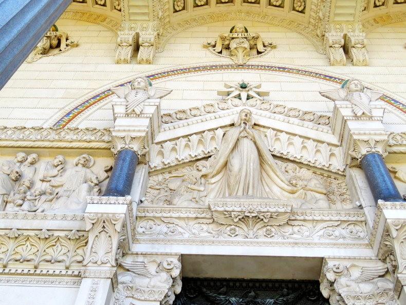 里昂富维耶圣母殿_图1-9