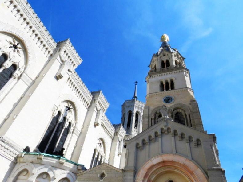 里昂富维耶圣母殿_图1-17