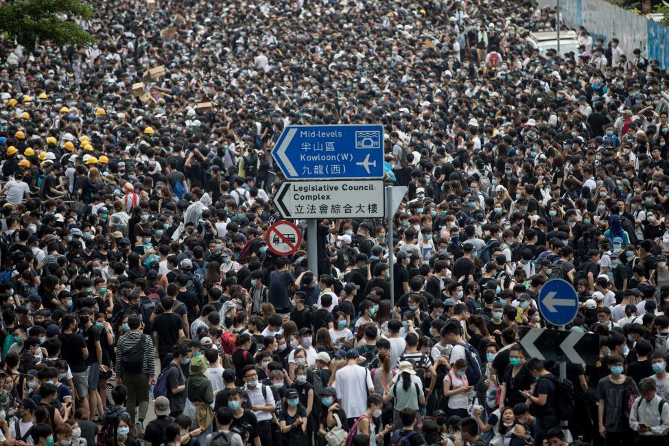 香港的大规模反政府示威将如何收场?_图1-3