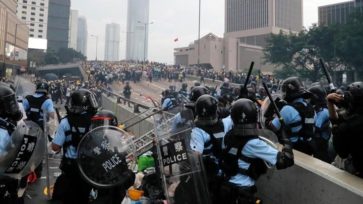 香港的大规模反政府示威将如何收场?_图1-4