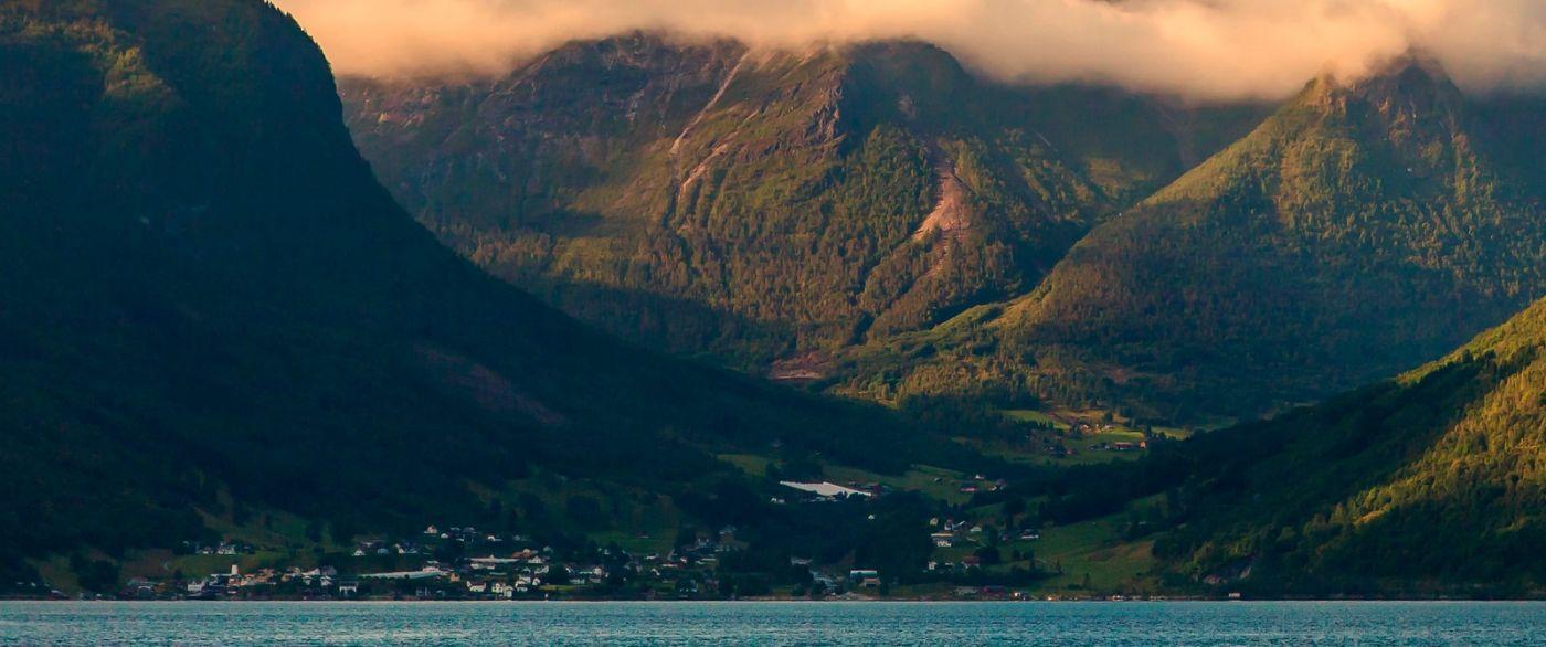 北欧风光,山顶山脚_图1-1