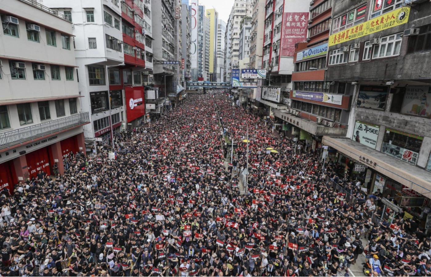 我也是香港居民,希望香港恢复平静_图1-1