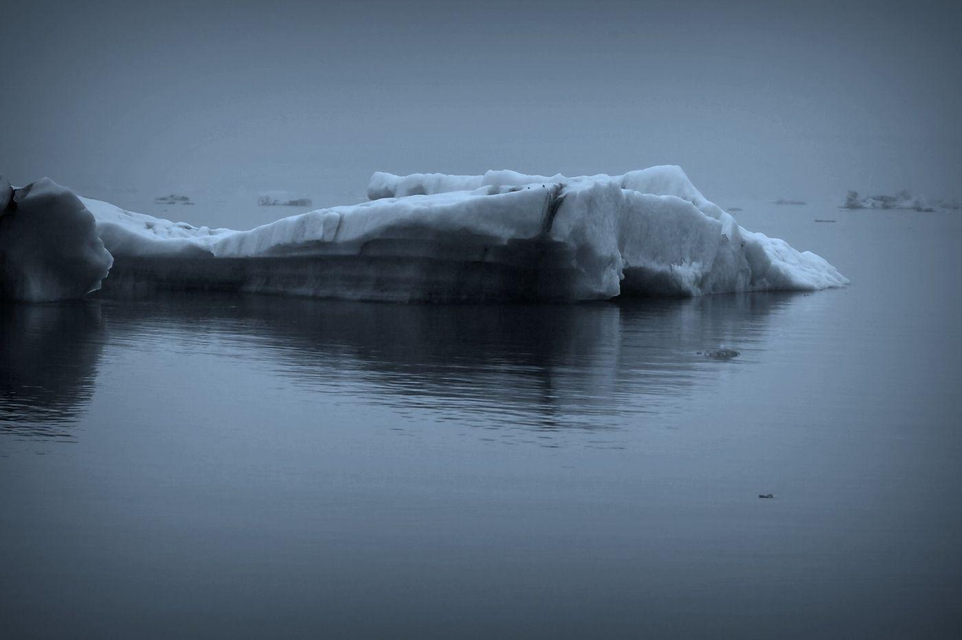 冰岛冰川泻湖(Glacier Lagoon), 湖面上冰川_图1-2