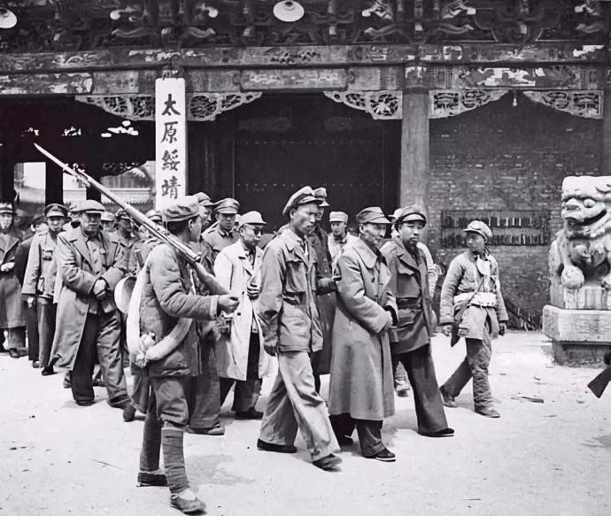 解放战争后期,兵力在15万人以上的军阀势力有哪些?全中国一共有几家 ..._图1-1