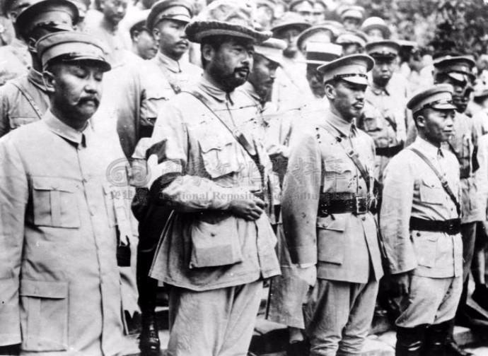 解放战争后期,兵力在15万人以上的军阀势力有哪些?全中国一共有几家 ..._图1-5