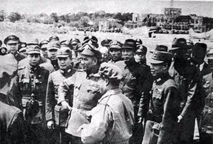 解放战争后期,兵力在15万人以上的军阀势力有哪些?全中国一共有几家 ..._图1-4