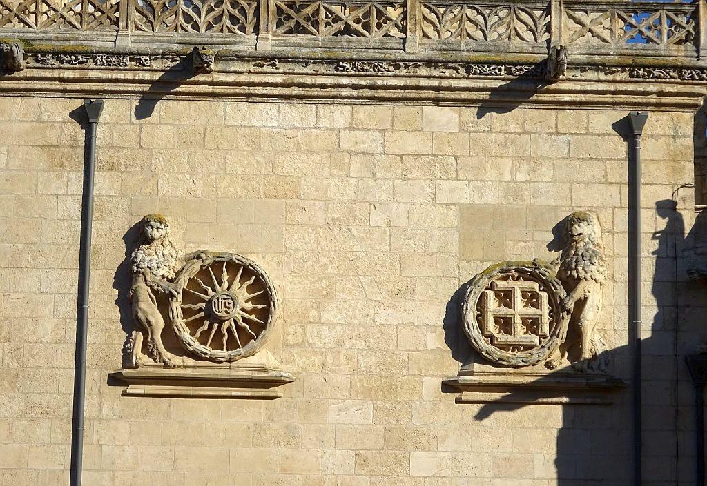 巴塞罗那主教座堂_图1-8