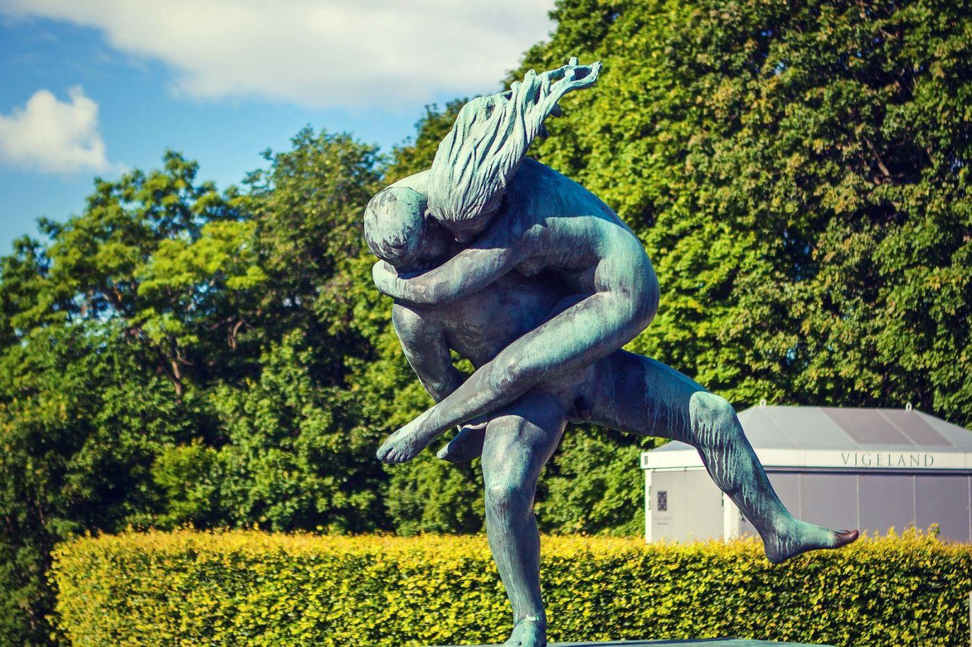 挪威维格兰雕塑公园,风格明显_图1-3