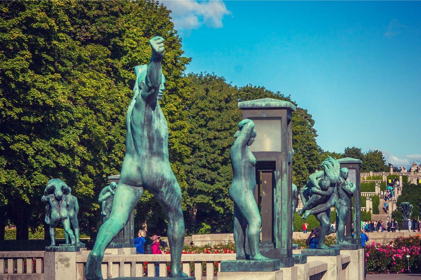 挪威维格兰雕塑公园,风格明显_图1-2