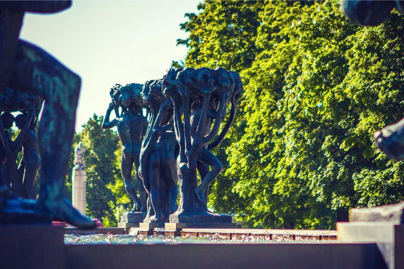 挪威维格兰雕塑公园,风格明显_图1-16