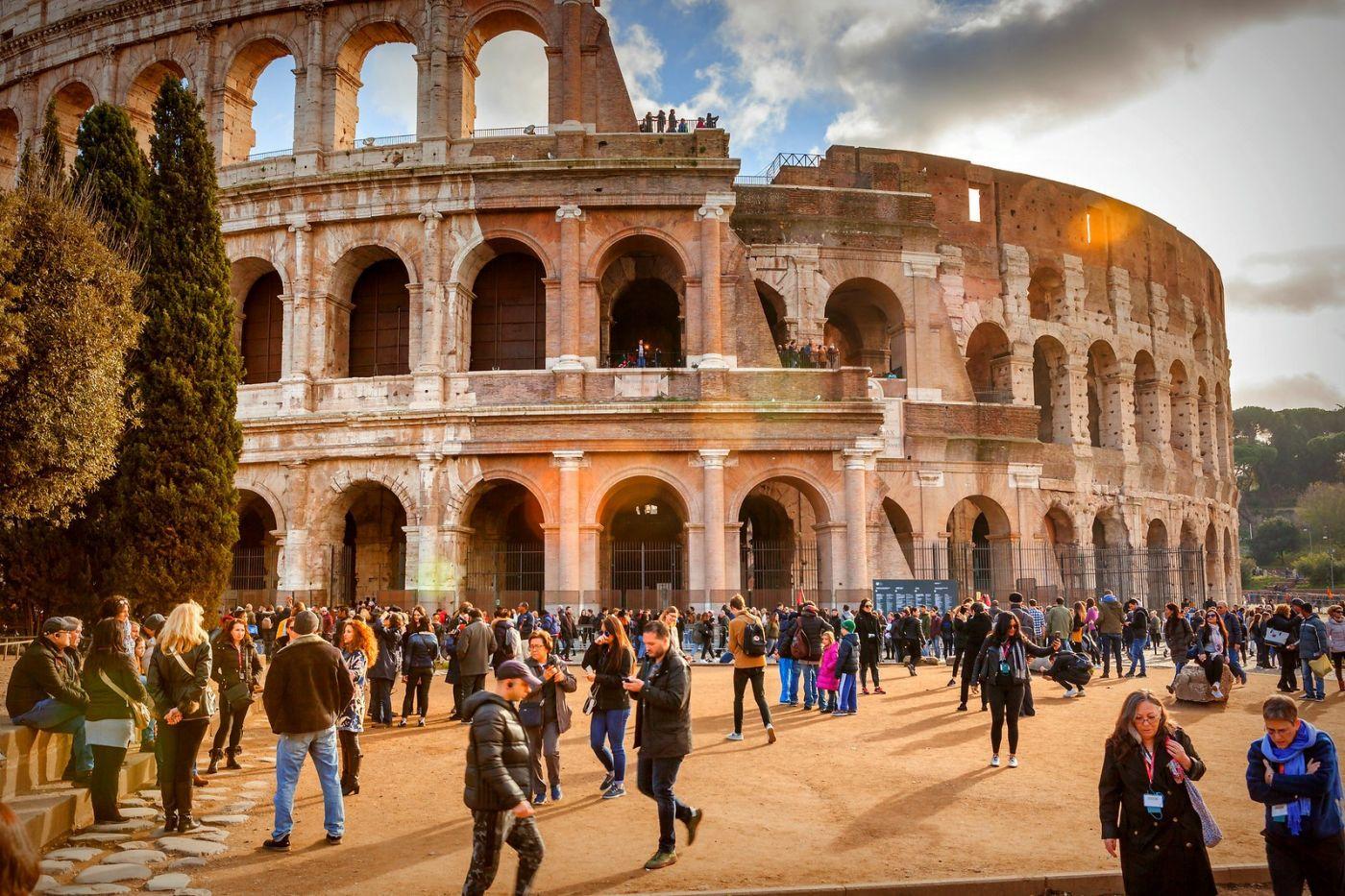 罗马斗兽场(Colosseum), 两千年的宏大建筑古迹_图1-3