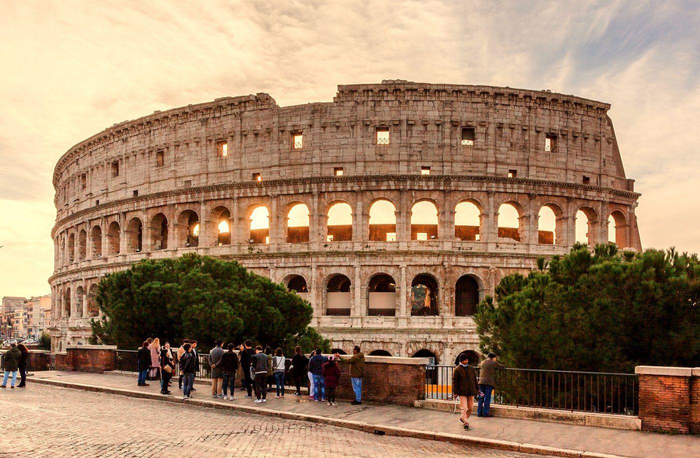 罗马斗兽场(Colosseum), 两千年的宏大建筑古迹_图1-2