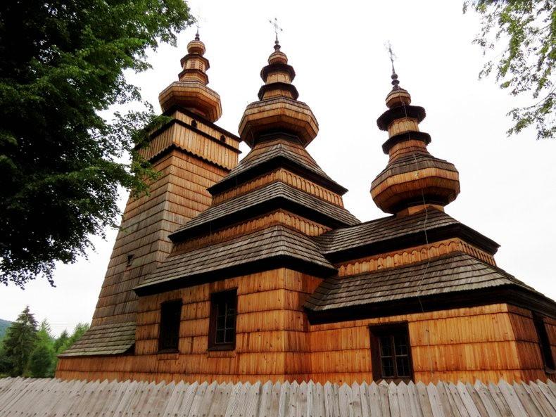 St.Paraskevi 木制教堂_图1-1
