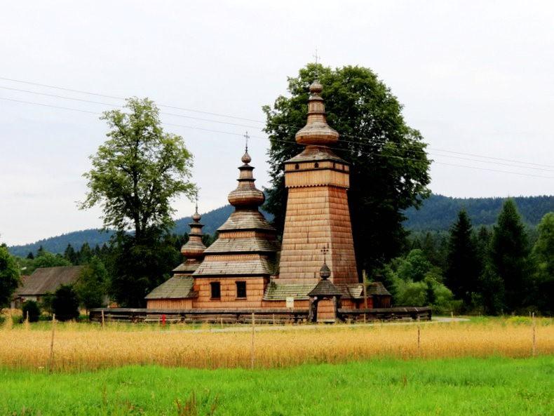 St.Paraskevi 木制教堂_图1-2
