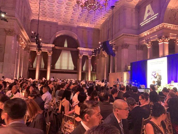 """高娓娓:第18届""""亚裔50杰出企业家""""颁奖晚宴在纽约隆重举行 ..._图1-3"""