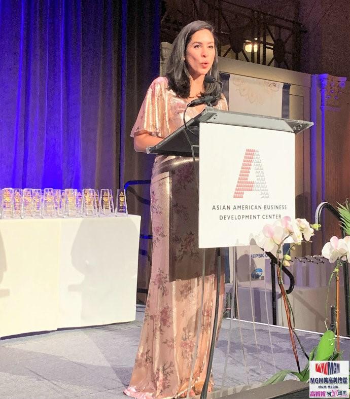 """高娓娓:第18届""""亚裔50杰出企业家""""颁奖晚宴在纽约隆重举行 ..._图1-5"""