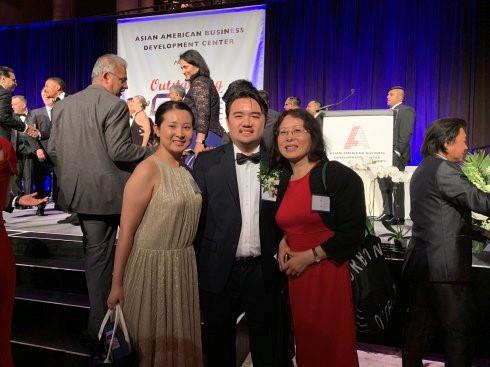 """高娓娓:第18届""""亚裔50杰出企业家""""颁奖晚宴在纽约隆重举行 ..._图1-16"""