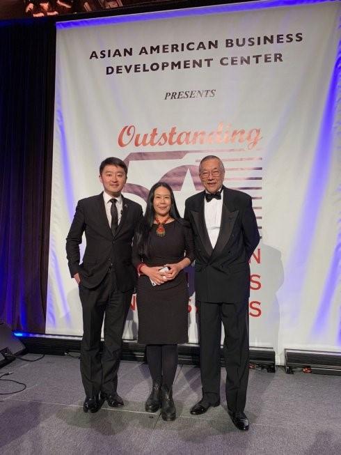 """高娓娓:第18届""""亚裔50杰出企业家""""颁奖晚宴在纽约隆重举行 ..._图1-17"""