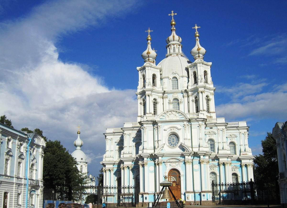 斯莫尔尼修道院教堂---圣彼得堡最高的建筑_图1-2