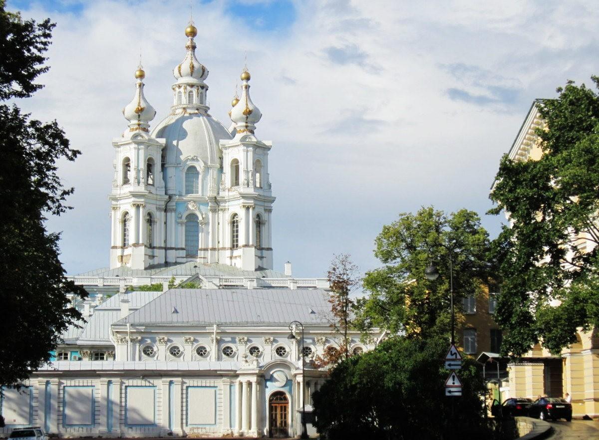 斯莫尔尼修道院教堂---圣彼得堡最高的建筑_图1-3