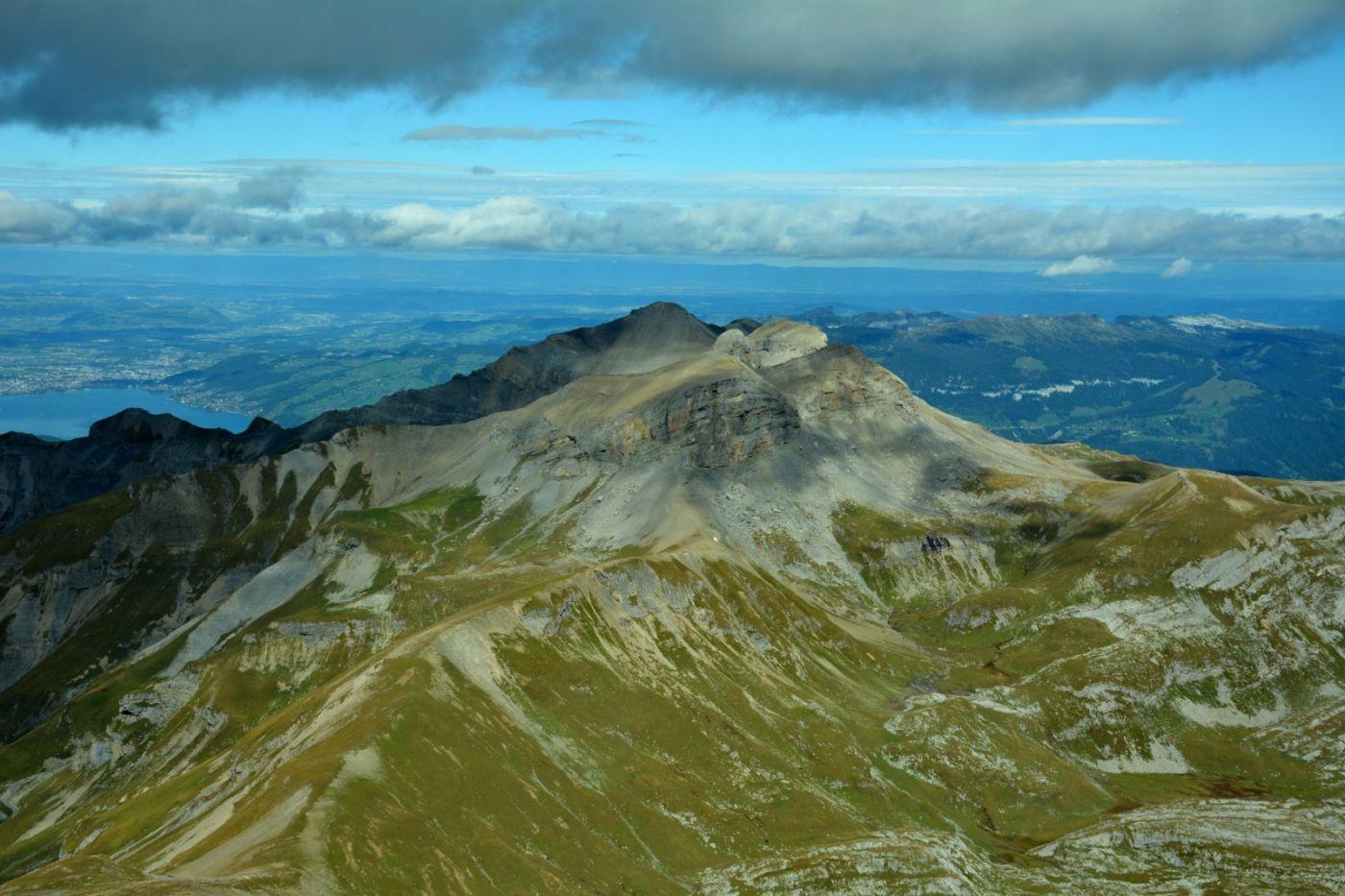 登上阿尔卑斯山遥望少女、勃朗峰_图1-3