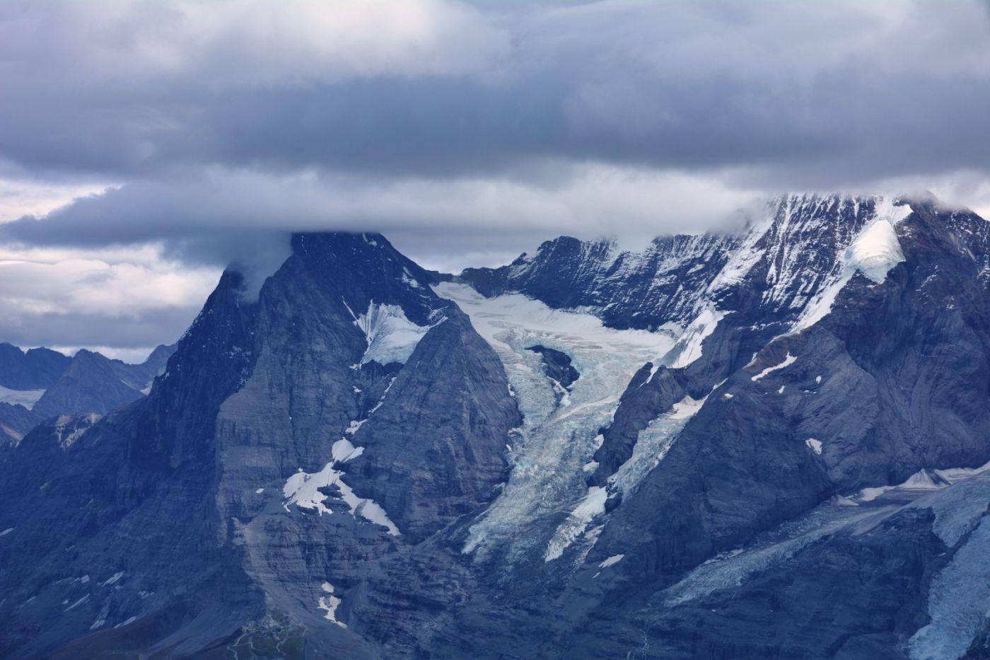 登上阿尔卑斯山遥望少女、勃朗峰_图1-9