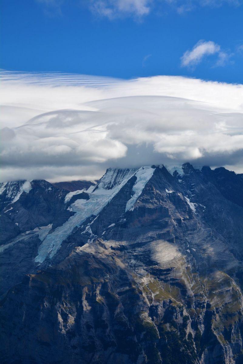 登上阿尔卑斯山遥望少女、勃朗峰_图1-12