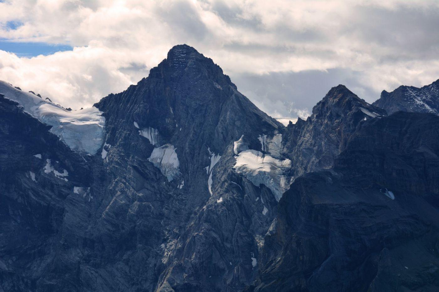 登上阿尔卑斯山遥望少女、勃朗峰_图1-11