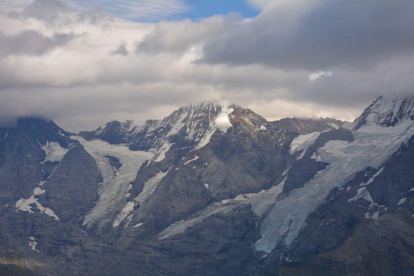 登上阿尔卑斯山遥望少女、勃朗峰_图1-20