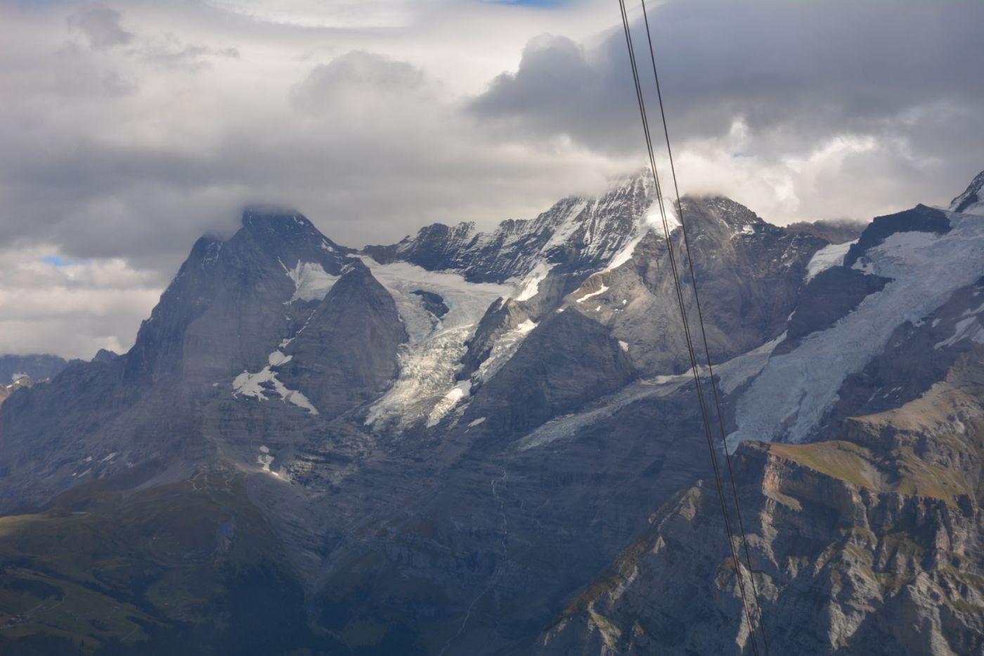 登上阿尔卑斯山遥望少女、勃朗峰_图1-22