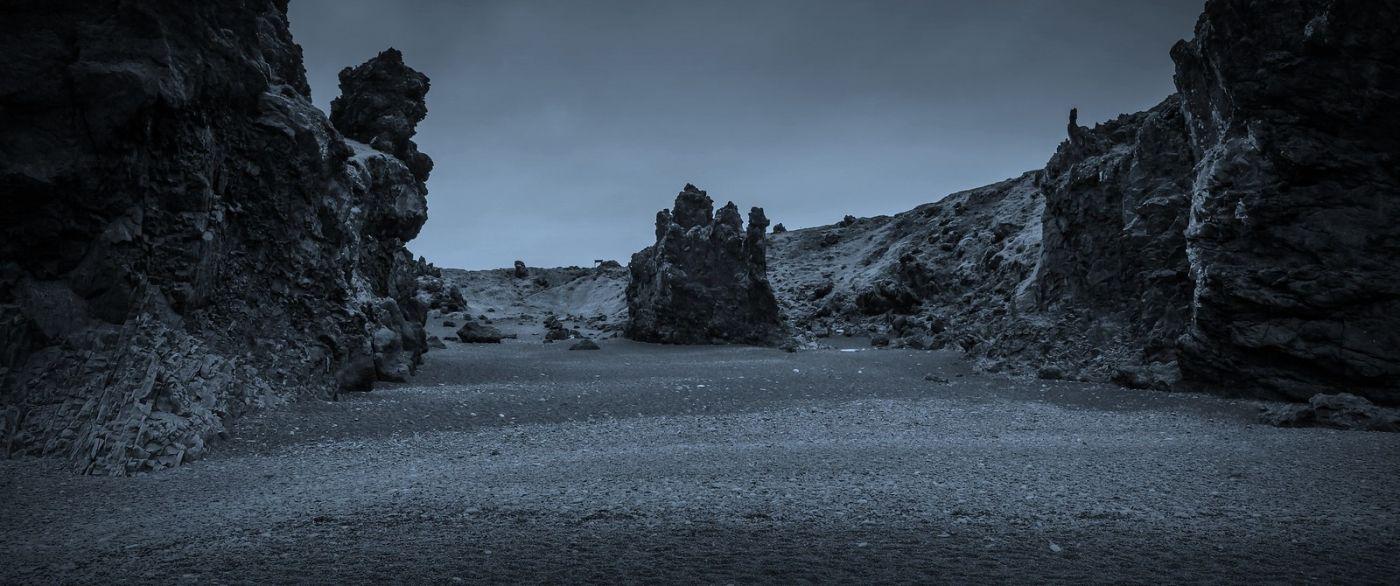 冰岛Djúpalónssandur沙滩,标志性的礁石_图1-2