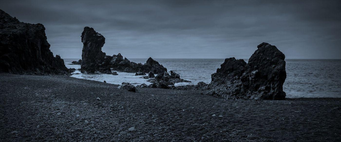 冰岛Djúpalónssandur沙滩,标志性的礁石_图1-27