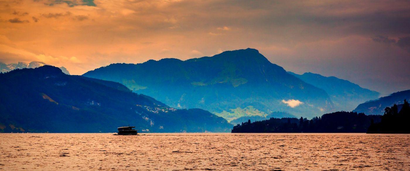 瑞士卢塞恩(Lucerne),拨开云雾见光明_图1-36