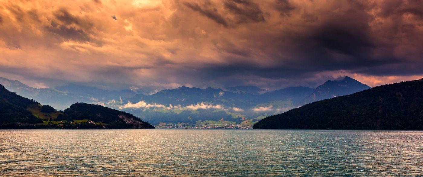瑞士卢塞恩(Lucerne),拨开云雾见光明_图1-31